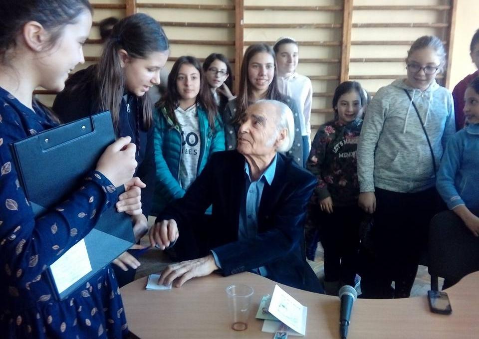 """Академик Антон Дончев – гост в 142 ОУ """"Веселин Ханчев"""""""