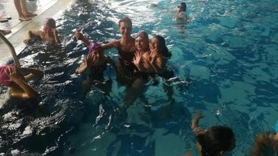 В басейна след поредния урок
